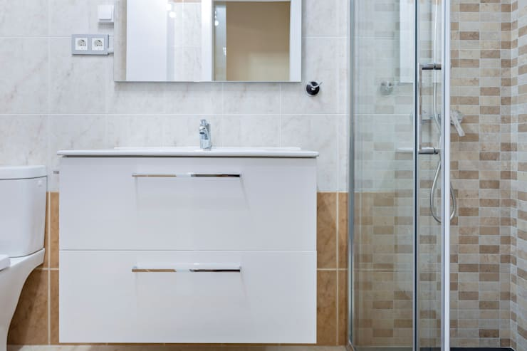Phòng tắm theo Reformas Altia,