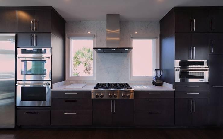 Modern Kitchen:  Kitchen by Olamar Interiors, LLC