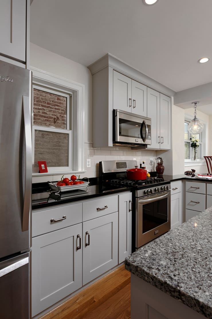 Washington DC Capitol Hill Design Build Kitchen Renovation: minimalistic Kitchen by BOWA - Design Build Experts