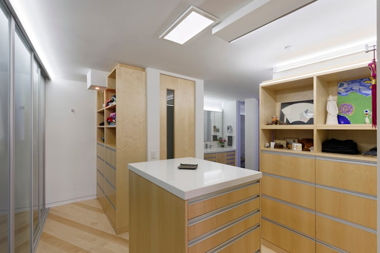 Contemporary Washington, DC Condominium Renovation:  Dressing room by BOWA - Design Build Experts