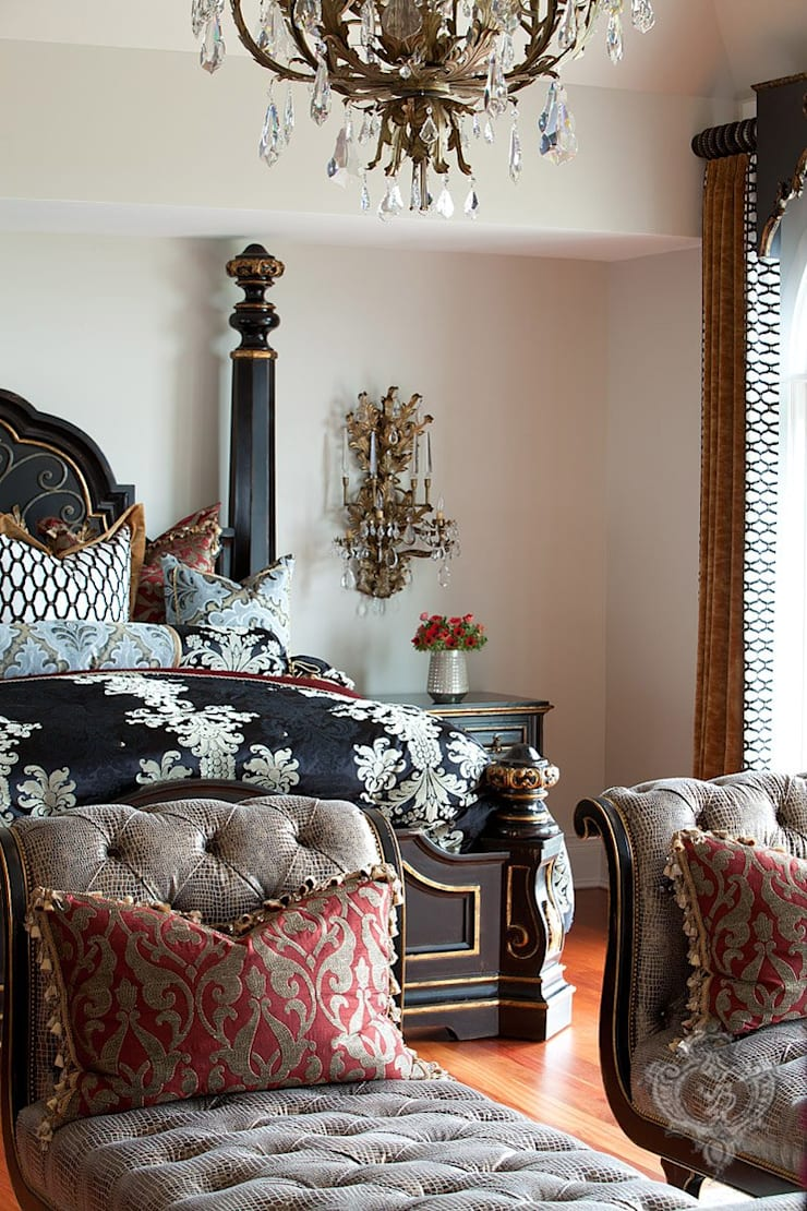 Master Bedroom: classic Bedroom by Kellie Burke Interiors