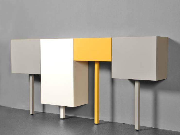 STICKS:  Woonkamer door Studio Gerard de Hoop