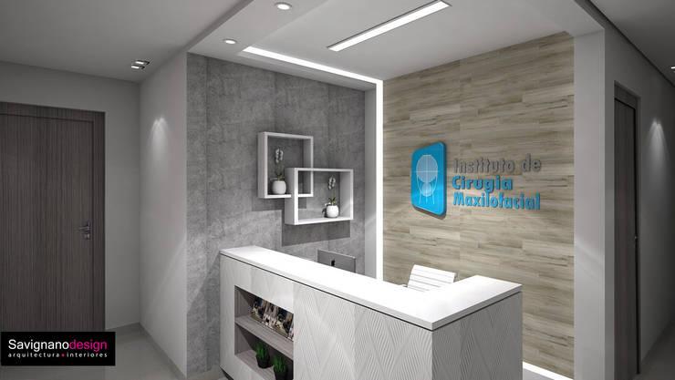 Diseño Consultorio Clinicia MAxilofacial – Barranquilla: Estudios y despachos de estilo  por Savignano Design, Moderno