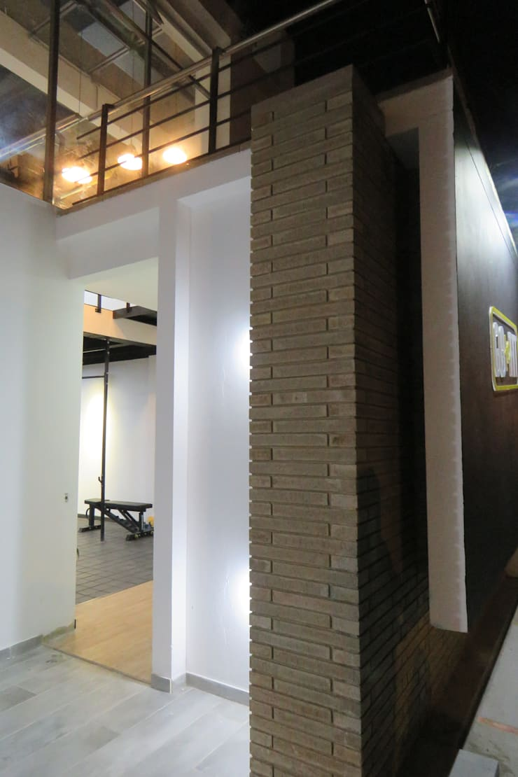 Go to Fit : Espacios comerciales de estilo  por CruzArk Arquitectura