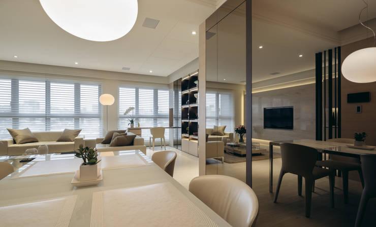 Salle à manger de style  par 汎羽空間設計, Moderne