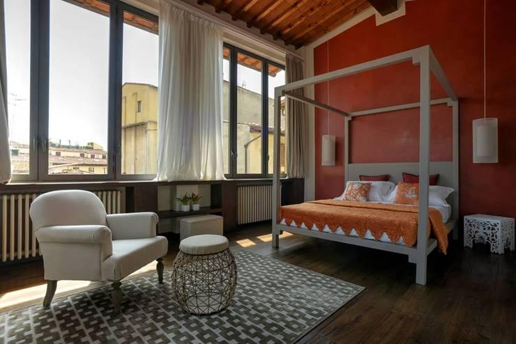 Pareti Grigie E Rosse : Esempi di colori per le pareti caldi e raffinati