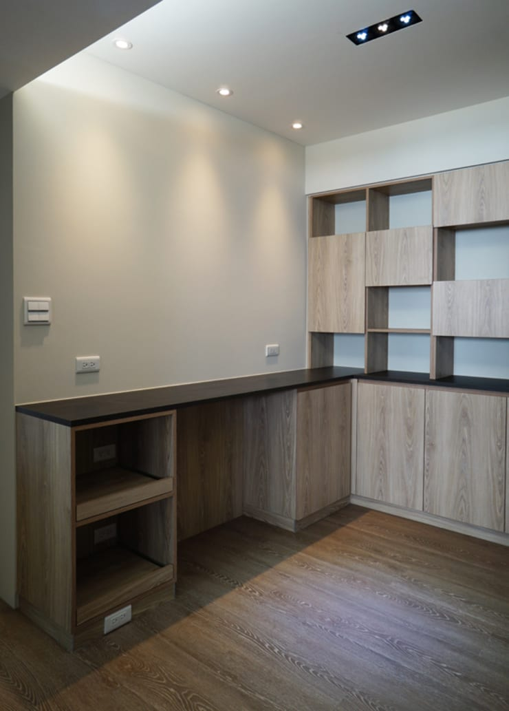 Salas de jantar  por ISQ 質の木系統家具