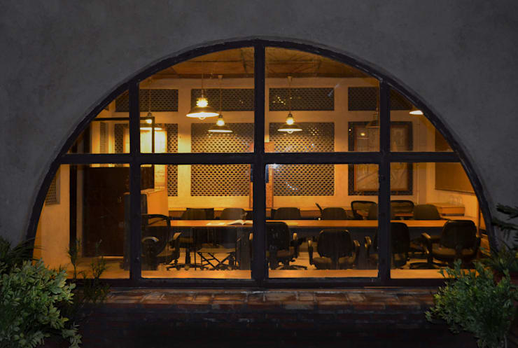 the discussion :  Office buildings by Chaukor Studio,Eclectic