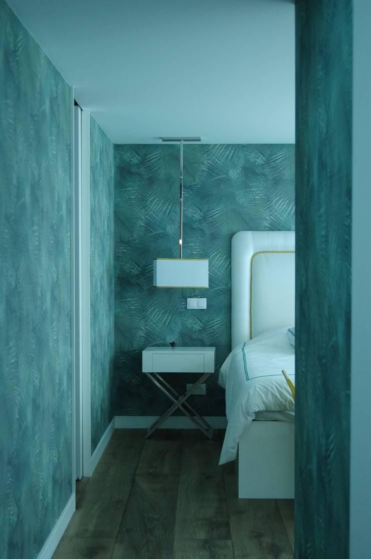 Moradia Unifamiliar: Quarto  por Archiultimate, architecture & interior design