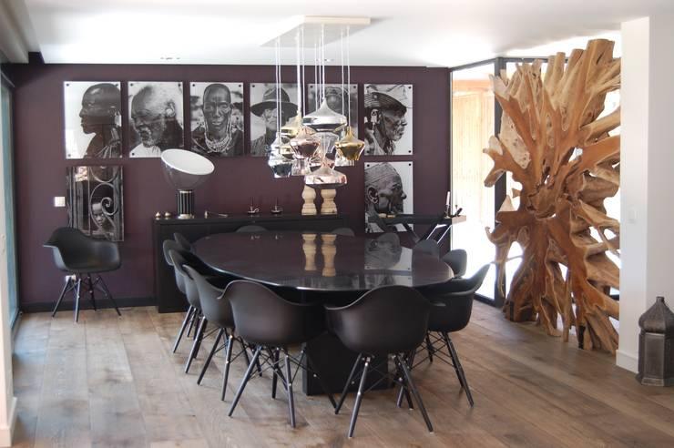 Moradia Unifamiliar: Sala de jantar  por Archiultimate, architecture & interior design