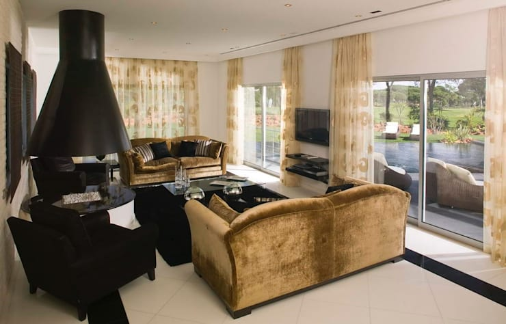 Moradia Unifamiliar: Salas de estar  por Archiultimate, architecture & interior design