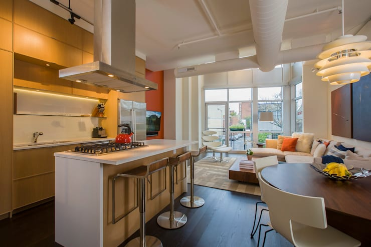 Logan Circle Duplex:  Kitchen by FORMA Design Inc.