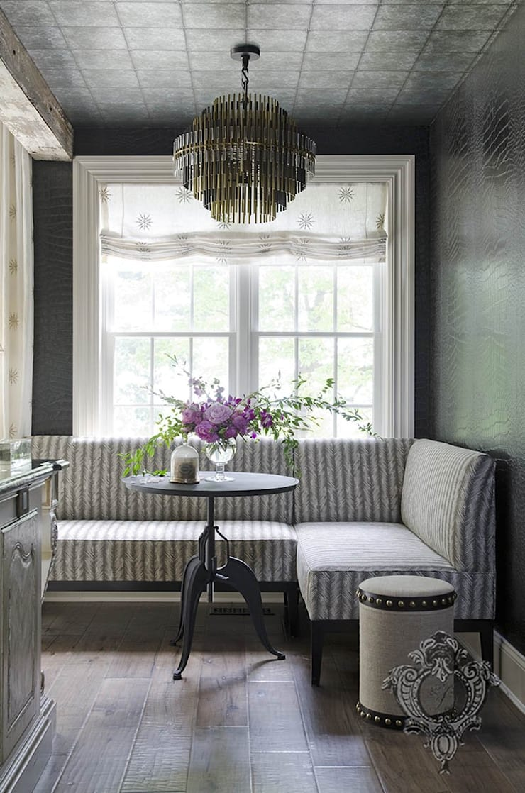 Breakfast Nook:  Kitchen by Kellie Burke Interiors