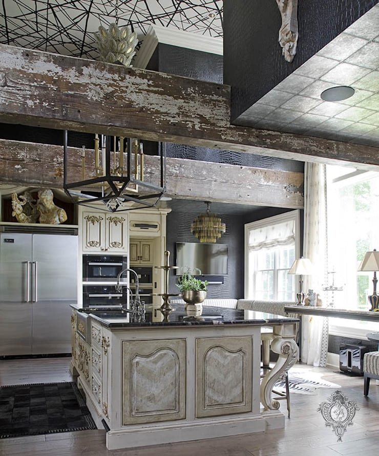 Kitchen Island:  Kitchen by Kellie Burke Interiors