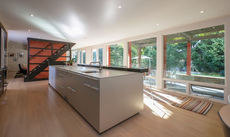 Spring Valley Residence:  Kitchen by FORMA Design Inc.