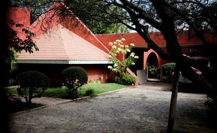 CASA CAMPESTRE-RL: Casas de estilo rústico por RIVERA ARQUITECTOS