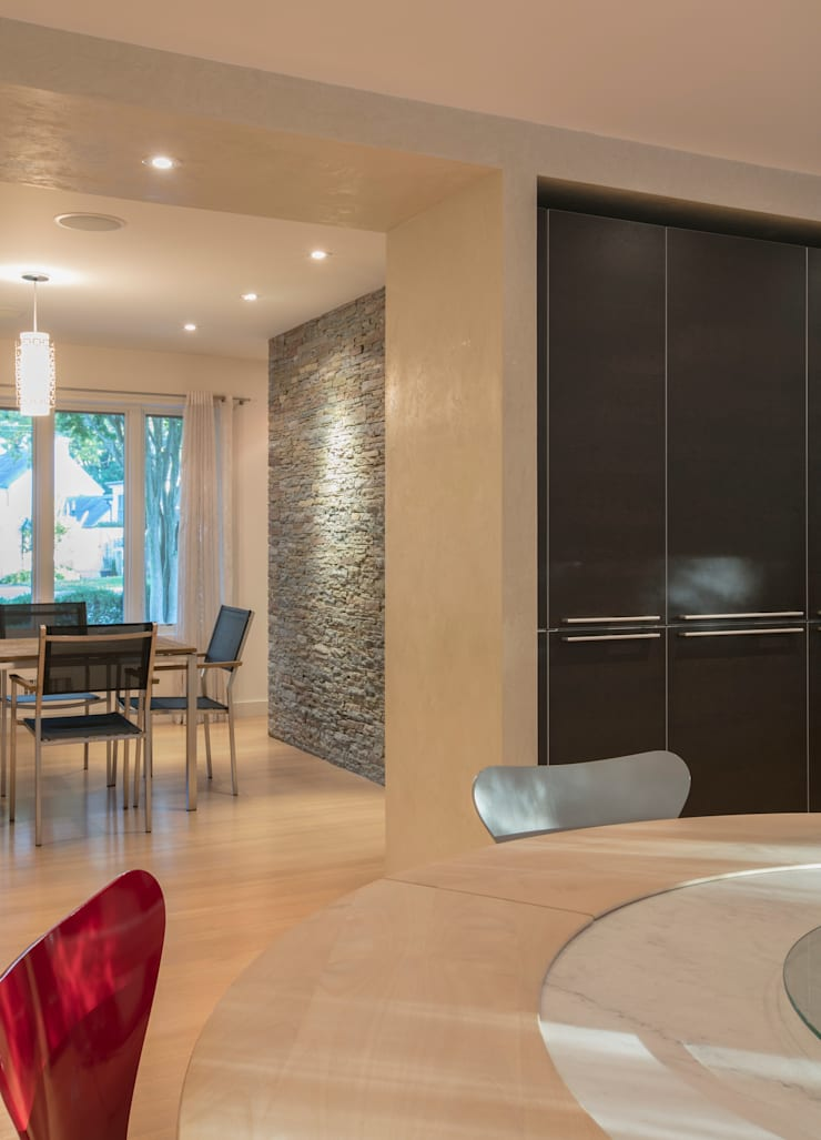Spring Valley Residence:  Dining room by FORMA Design Inc.