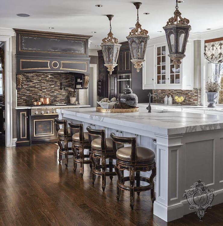 Kitchen: classic Kitchen by Kellie Burke Interiors