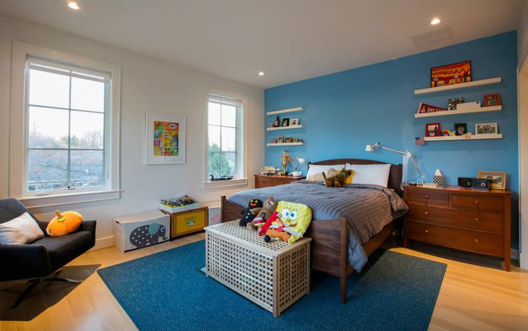 Bethesda Modern: modern Bedroom by FORMA Design Inc.