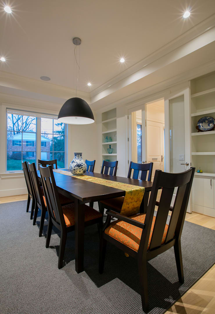 Bethesda Modern:  Dining room by FORMA Design Inc.