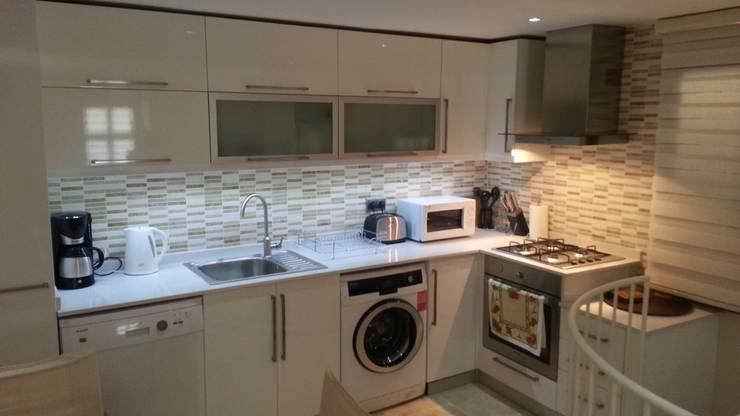 rustic Kitchen by SAYTAS SABUNCUOGLU YAPI VE TIC.LTD.STI.