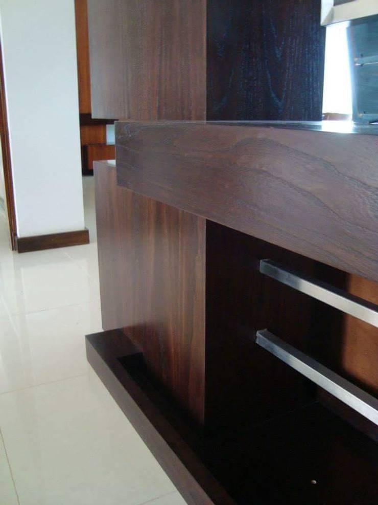 Mueble recibidor: Pasillos y recibidores de estilo  por Estudio Karduner Arquitectura