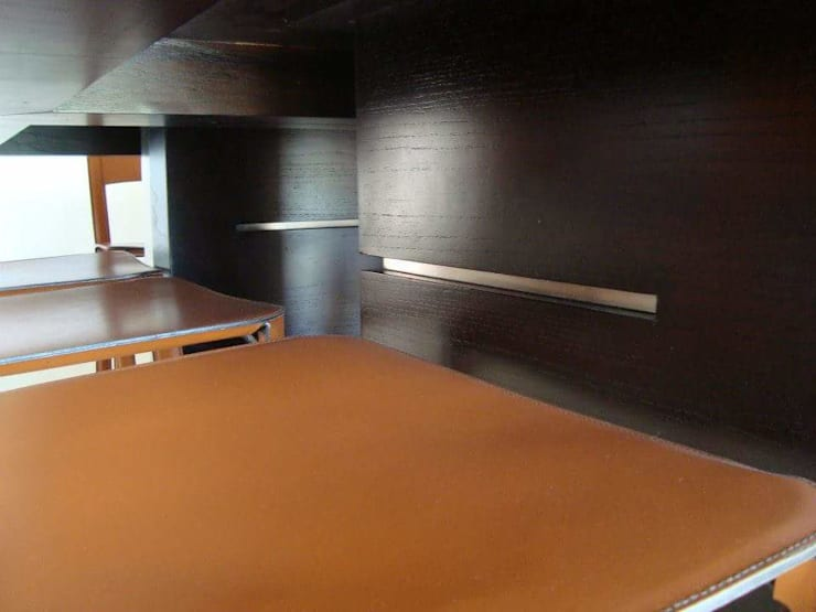 Diseño mesa Comedor/mueble vajillero: Comedores de estilo  por Estudio Karduner Arquitectura