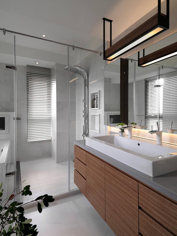 Sky Villa:  浴室 by ACE 空間制作所