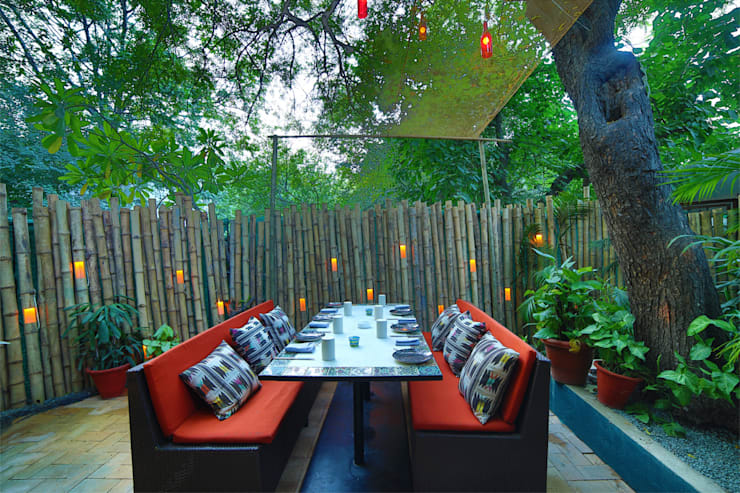 Ariba hauz khas:   by Total Interiors Solutions Pvt. ltd.