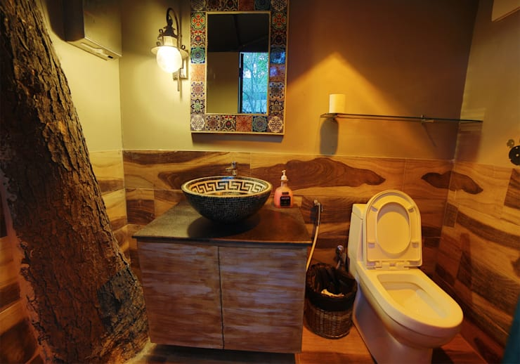 Ariba hauz khas:  Bathroom by Total Interiors Solutions Pvt. ltd.
