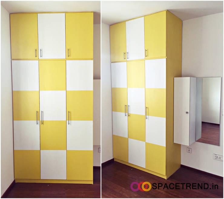 Bedroom: minimalistic Bedroom by Space Trend