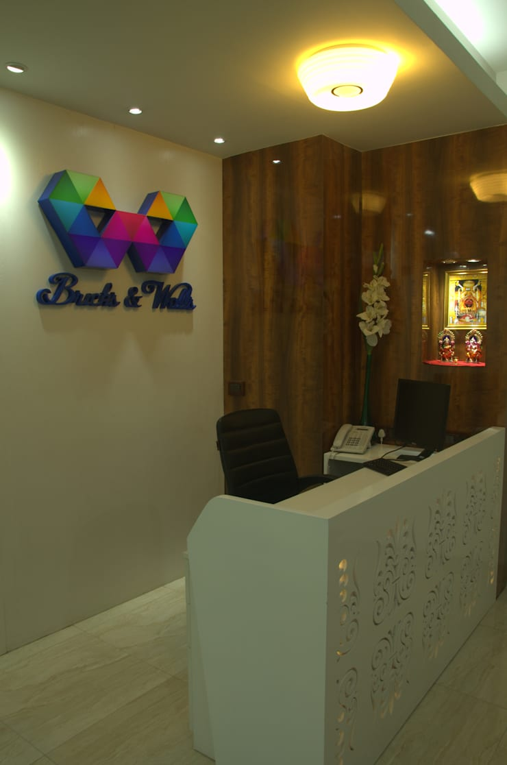 Bricks and Walls:  Study/office by Total Interiors Solutions Pvt. ltd.
