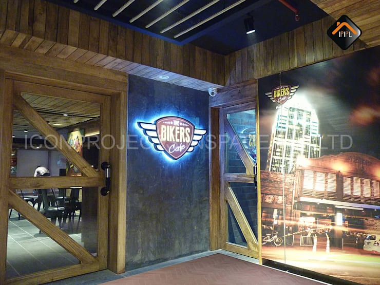 Entrance:  Hotels by ICON PROJECTS INSPACE PVT.LTD,Rustic