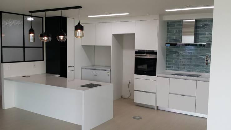 한디자인 주방 가양동 프로젝트: 현대리바트의  주방,