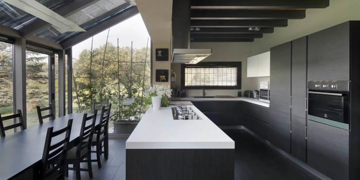 Cozinhas  por Studio Ecoarch