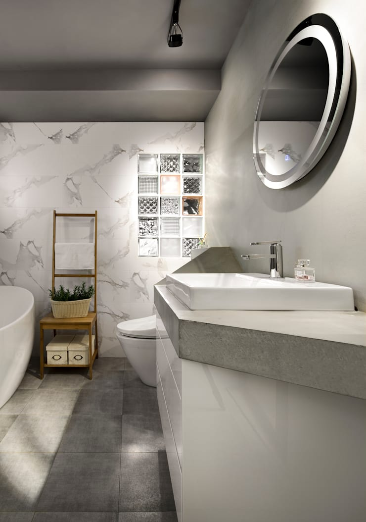 先求有再求多,賜給我一間設備齊全的廁所吧!:  浴室 by 磨設計