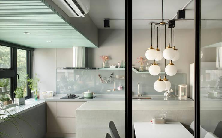 空氣感文青宅:  廚房 by 磨設計