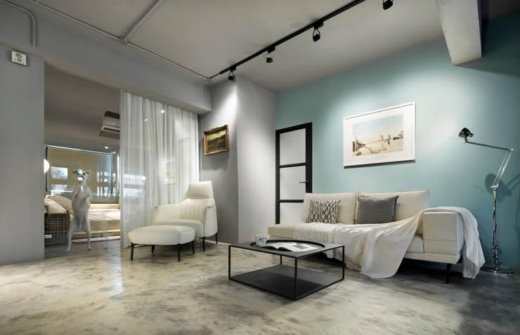沙發的配置:  客廳 by 磨設計