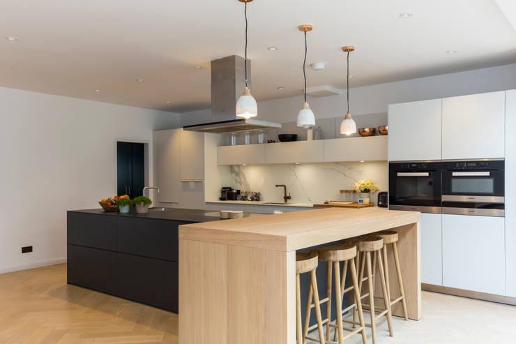 Projekty,  Kuchnia zaprojektowane przez VCDesign Architectural Services
