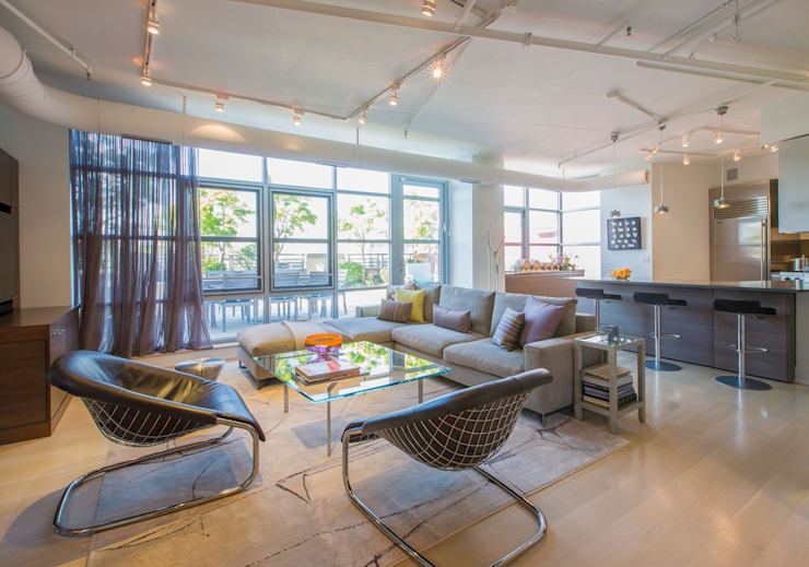Penthouse on Church Street: modern Living room by FORMA Design Inc.