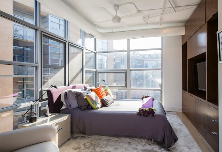 Penthouse on Church Street: modern Bedroom by FORMA Design Inc.