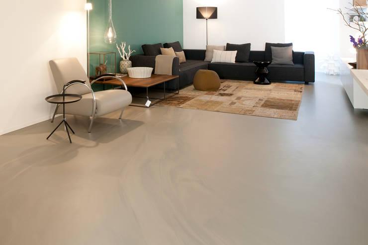 Moderne Wohnzimmer von Ode aan de Vloer Modern Plastik