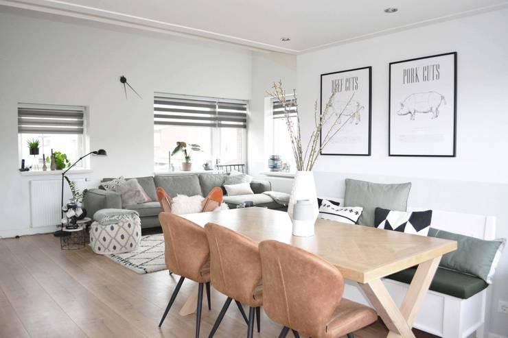 Appartement Katwijk :  Woonkamer door CM Interieurarchitect, Scandinavisch