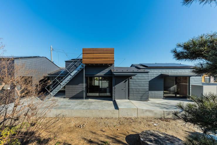 ウィークリンク: Smart Running一級建築士事務所が手掛けた一戸建て住宅です。