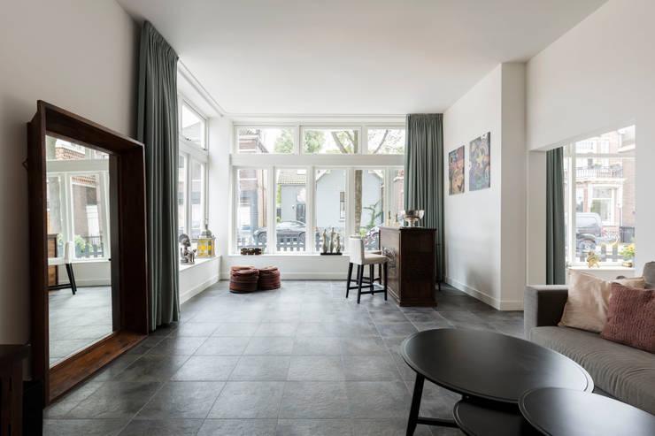 Woonkamer door Finbarr McComb Architect