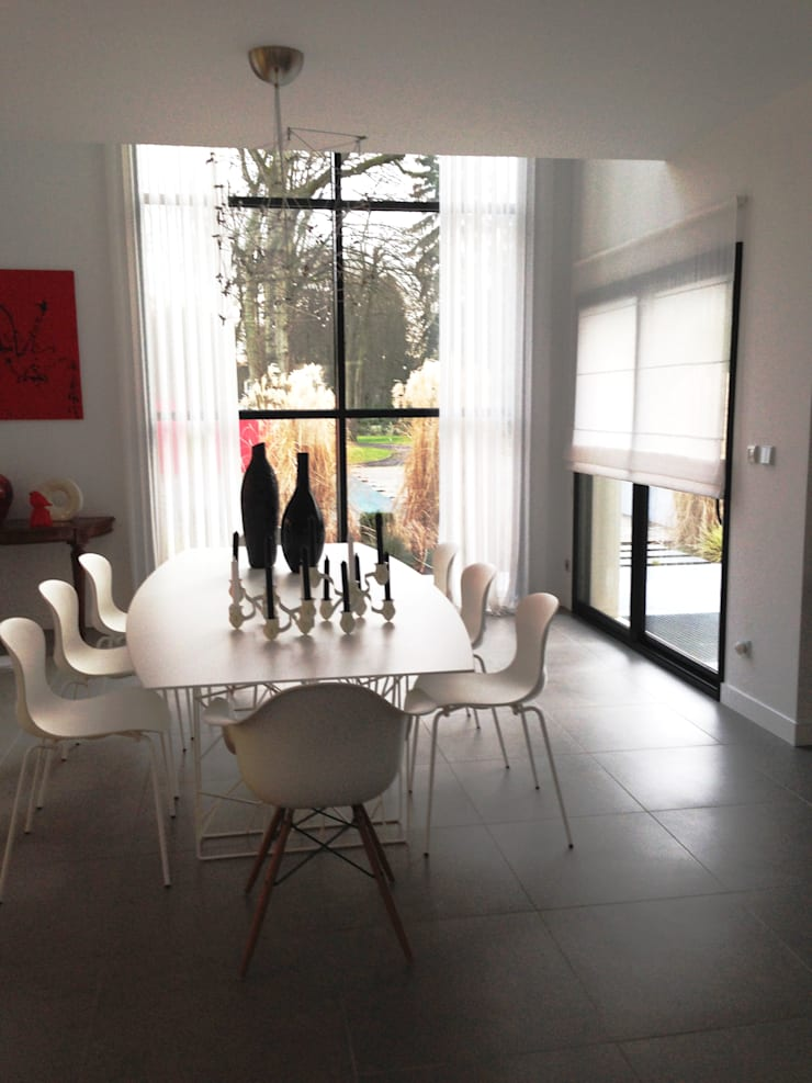 Dining room by h(O)me attitudes by Sylvie Grimal