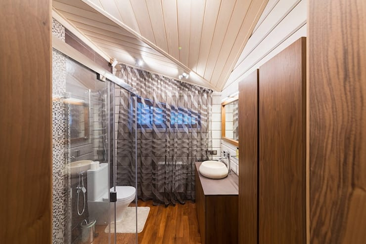 Bathroom by GOOD WOOD