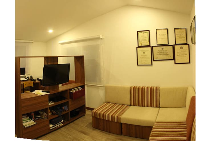 Ruang Studi/Kantor Minimalis Oleh Ensamble de Arquitectura Integral Minimalis