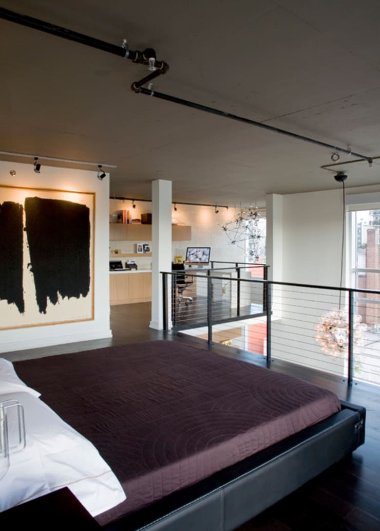 Penthouse at The Metropole: modern Bedroom by FORMA Design Inc.