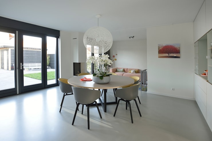 Dining room by Ode aan de Vloer,